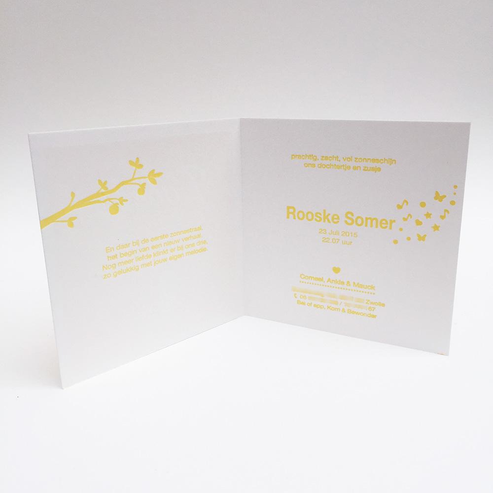 Geboortekaartje letterpress Rooske okergeel