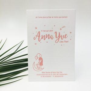 letterpress-geboortekaartje-anna-yve-roze-maantje-meisjemetbeer-meisje-sterren
