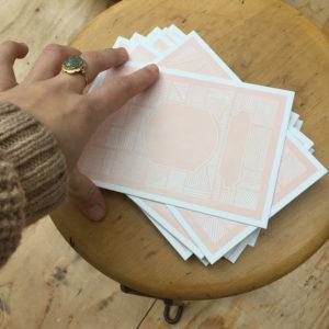 geboortekaartje-letterpress-robyn-lichtroze-klassiek-streepjes-artdeco-procesfoto