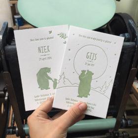 letterpress-geboortekaartje-niek-gijs-beren-hallokleinebeer-welterustenkleinebeer-kinderboek-oudgroen-olijfgroen-beren