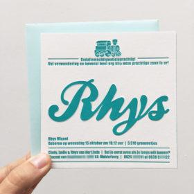 letterpress-geboortekaartje-rhys-houten trein-treintje-groen-blauw-letterpress amsterdam-vierkant