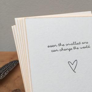 geboortekaartje-letterpress-voetprint-boaz-voetafdruk-handgeschreven-closeup