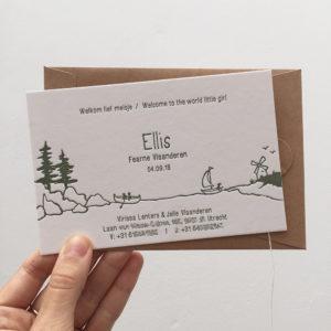 letterpress-geboortekaartje-ellis-kust-strand-kano-zeilbootje-zee-nederland-canada-canadees-relief