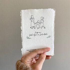 letterpress-geschept-geboortekaartje-zusjes-illustratie-diepdruk-relief-tekening-driezusjes-hand-in-hand-handgedrukt-handgetekend-botanisch-cotton-paper